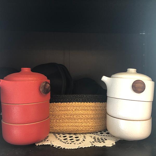 Traveling Tea Pots